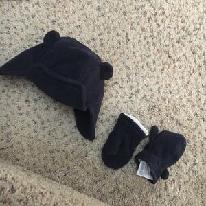 Baby gap bear ears trapper hat and mittens 0-6mo